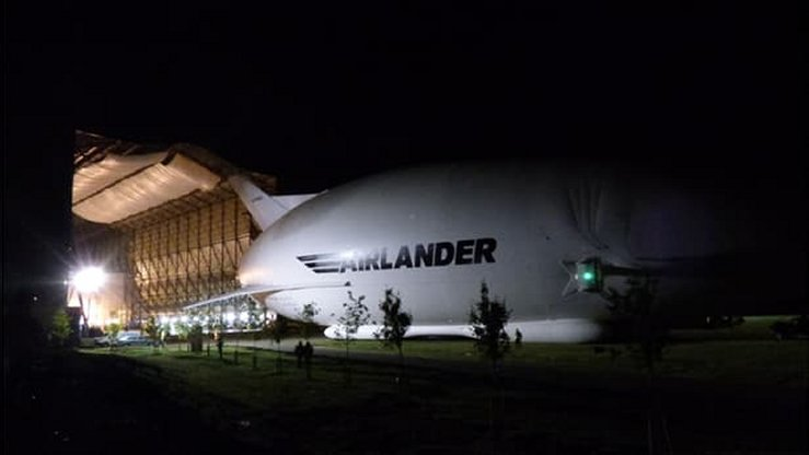 World's Largest Aircraft Completes its first Flight