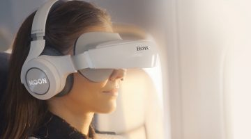Futuristic Gadget: 3D Virtual Mobile Theater with Giant Curved Screen